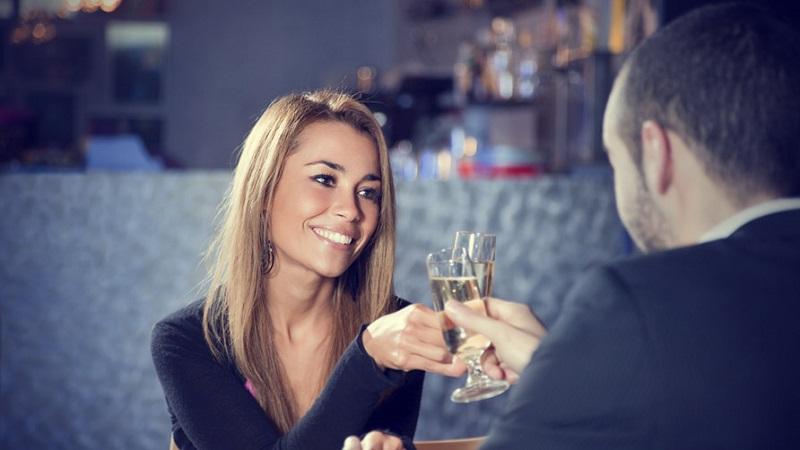 быстрые знакомства в кафе